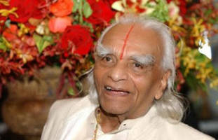 World renowned yoga legend BKS Iyengar dies at 95
